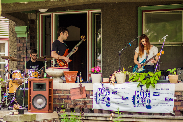 A jam on the porch at Few Street Block Party.