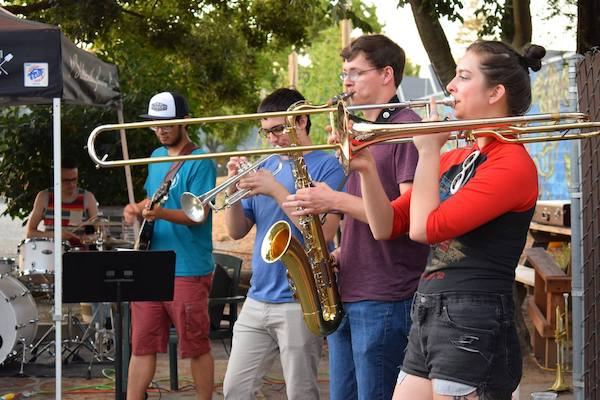 Teenage horn players outside in Davis CA